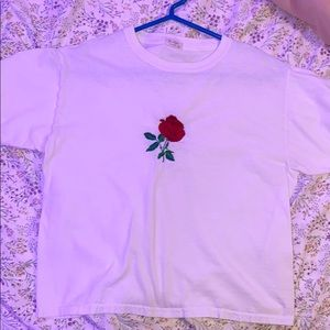 Brandy Melville rose white cropped t-shirt